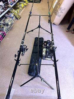 Nouveau 2 X 12ft 2.75lb Carp Rods - Egb40 Free Spin Reels Carp Outfit + Rod Pod